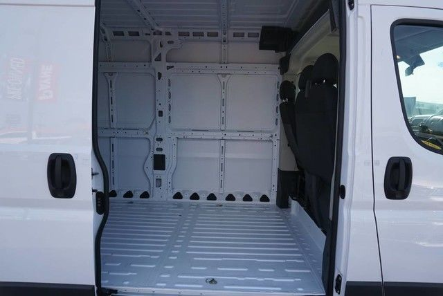 2018 ProMaster 2500 High Roof FWD,  Empty Cargo Van #E140265 - photo 19