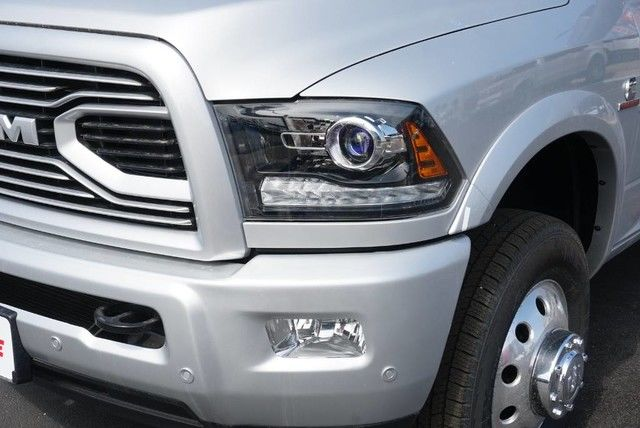 2018 Ram 3500 Crew Cab DRW 4x4,  Pickup #G152911 - photo 4