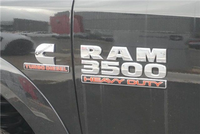 2018 Ram 3500 Crew Cab DRW 4x4, Pickup #G152919 - photo 7