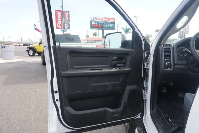 2018 Ram 5500 Crew Cab DRW 4x4, Platform Body #G166987 - photo 22