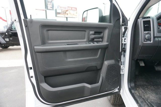 2018 Ram 3500 Crew Cab DRW 4x4,  Platform Body #G376274 - photo 26