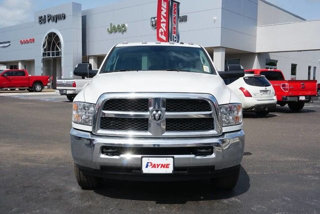 2018 Ram 3500 Regular Cab 4x4,  Cab Chassis #G386127 - photo 3