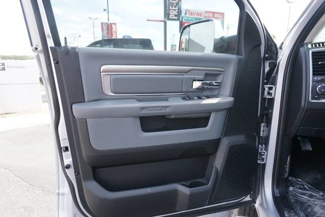 2018 Ram 3500 Crew Cab DRW 4x4,  Pickup #G392713 - photo 26