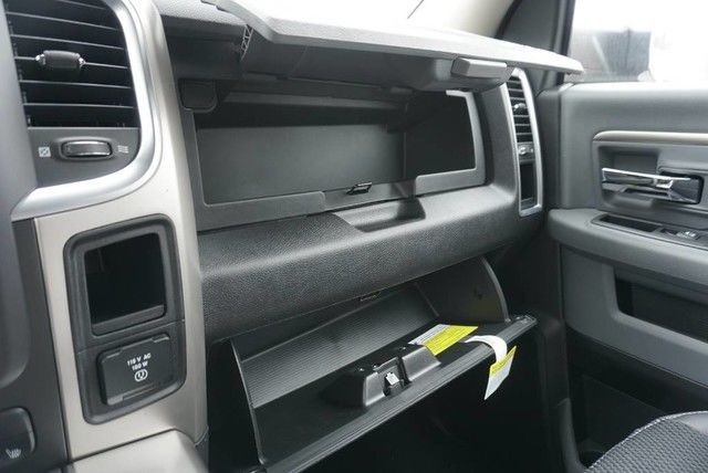 2018 Ram 3500 Crew Cab DRW 4x4,  Pickup #G392714 - photo 39