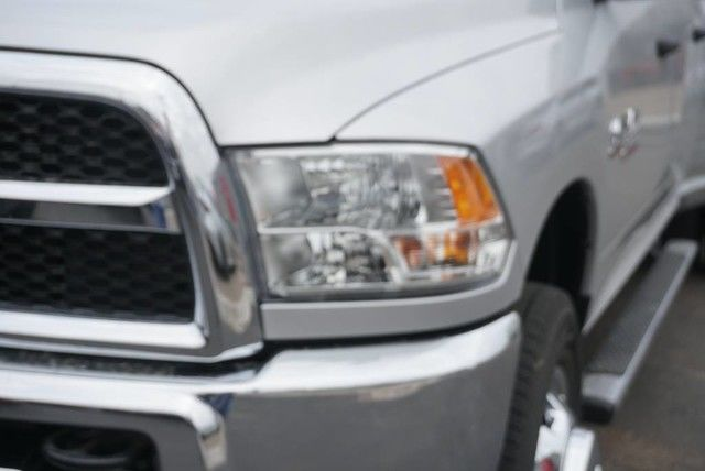 2018 Ram 3500 Crew Cab DRW 4x4,  Pickup #G397500 - photo 4