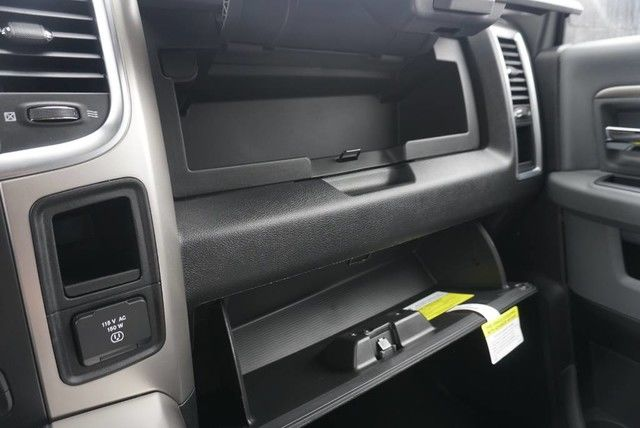 2018 Ram 3500 Crew Cab DRW 4x4,  Pickup #G397504 - photo 35