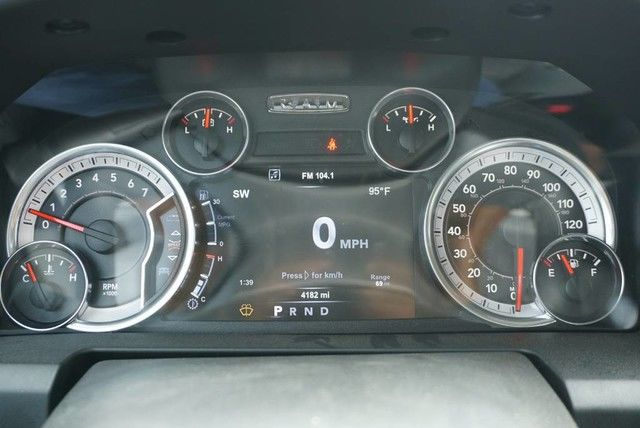 2017 Ram 1500 Crew Cab, Pickup #G510702 - photo 26