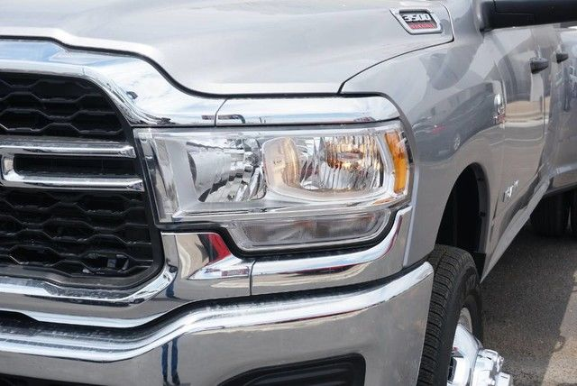 2019 Ram 3500 Crew Cab DRW 4x4,  Pickup #G533878 - photo 4