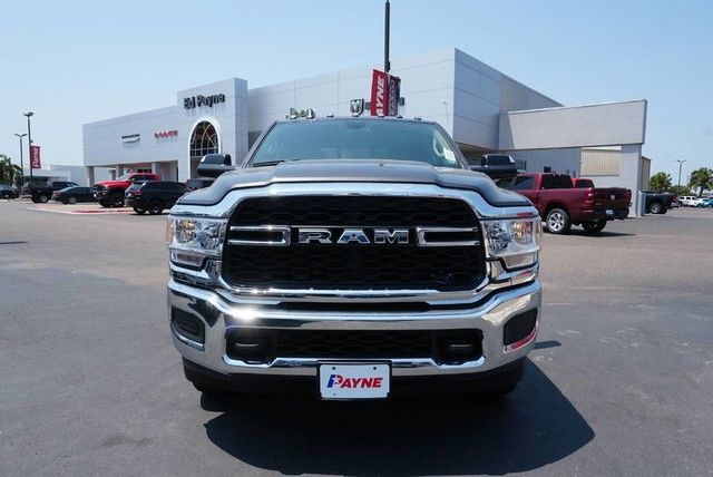 2019 Ram 3500 Crew Cab DRW 4x4,  Pickup #G555477 - photo 3