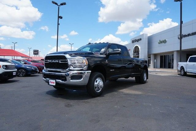 2019 Ram 3500 Crew Cab DRW 4x4,  Pickup #G612493 - photo 1