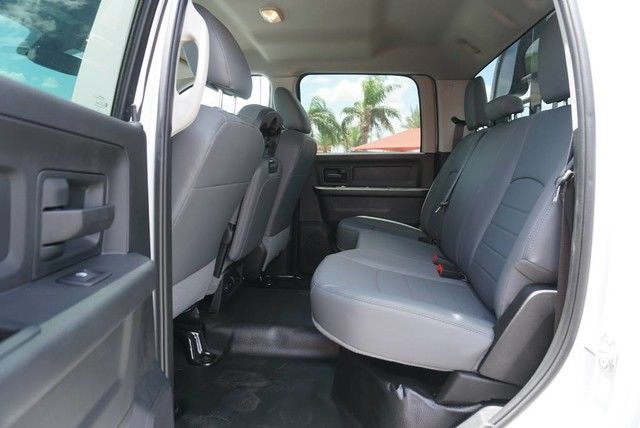 2018 Ram 3500 Crew Cab DRW 4x4,  Platform Body #JG376730 - photo 20
