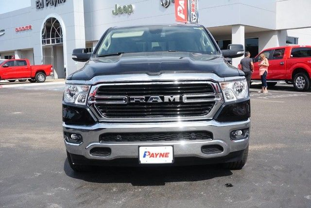2019 Ram 1500 Crew Cab 4x2,  Pickup #N548504 - photo 3