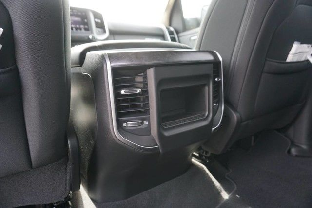 2019 Ram 1500 Crew Cab 4x2,  Pickup #N581782 - photo 21