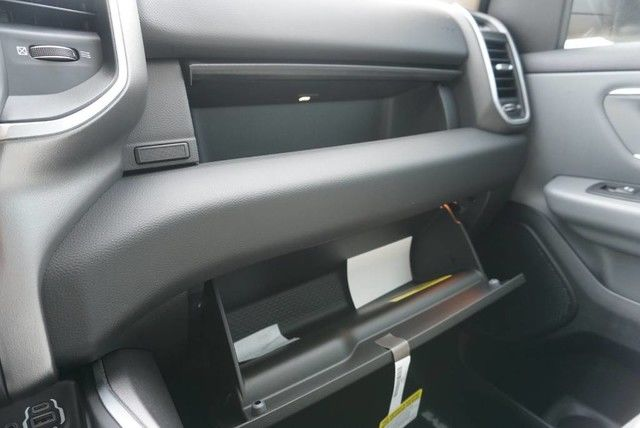 2019 Ram 1500 Crew Cab 4x2,  Pickup #N581782 - photo 34