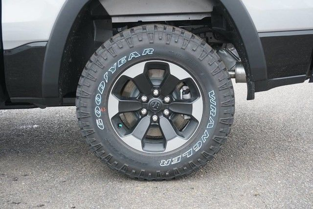 2019 Ram 1500 Crew Cab 4x4,  Pickup #N583361 - photo 10