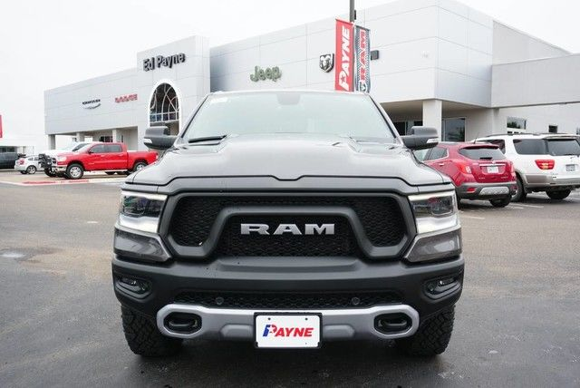2019 Ram 1500 Crew Cab 4x4,  Pickup #N583399 - photo 3