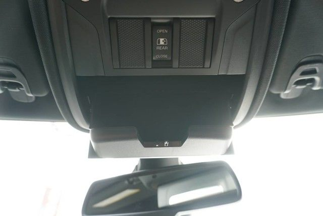 2019 Ram 1500 Crew Cab 4x2,  Pickup #N667439 - photo 34