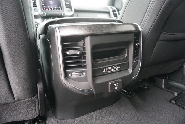 2019 Ram 1500 Crew Cab 4x2,  Pickup #N667441 - photo 20