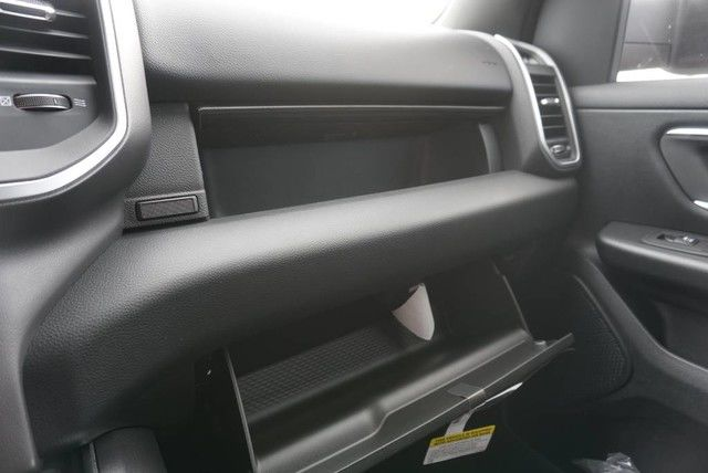 2019 Ram 1500 Crew Cab 4x2,  Pickup #N667442 - photo 33