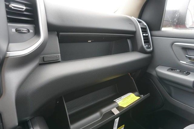 2019 Ram 1500 Crew Cab 4x2,  Pickup #N680171 - photo 33