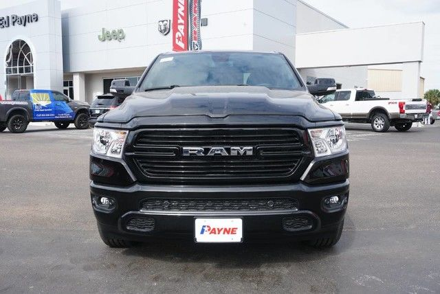 2019 Ram 1500 Crew Cab 4x2,  Pickup #N683641 - photo 3
