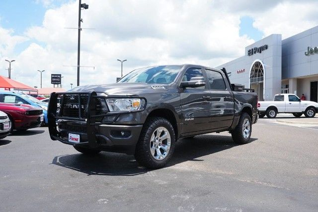 2019 Ram 1500 Crew Cab 4x2,  Pickup #N683642 - photo 1