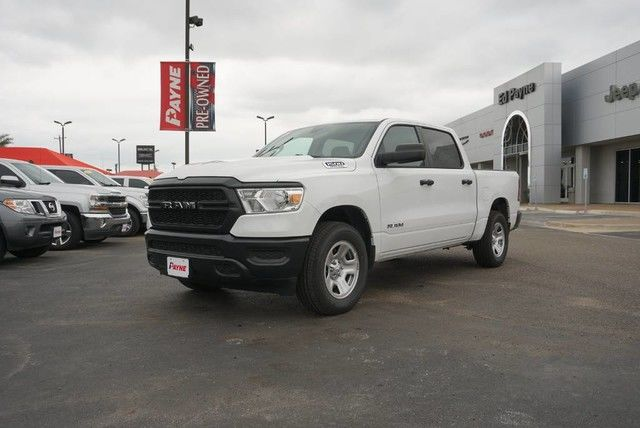 2019 Ram 1500 Crew Cab 4x4,  Pickup #N790442 - photo 1