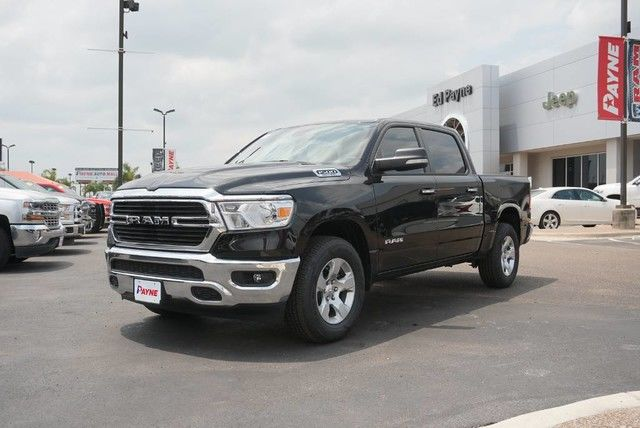 2019 Ram 1500 Crew Cab 4x2,  Pickup #N828803 - photo 1