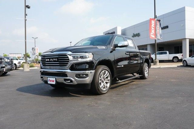 2019 Ram 1500 Crew Cab 4x4,  Pickup #N832154 - photo 1