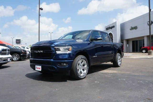 2019 Ram 1500 Crew Cab 4x2,  Pickup #N884865 - photo 1