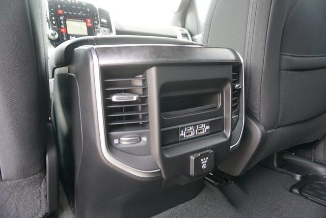 2019 Ram 1500 Crew Cab 4x2,  Pickup #N884865 - photo 22