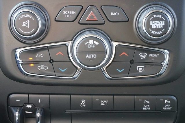 2017 Ram 1500 Crew Cab, Pickup #S535908 - photo 29