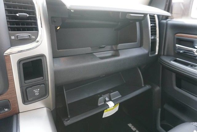 2017 Ram 1500 Crew Cab,  Pickup #S585282 - photo 33