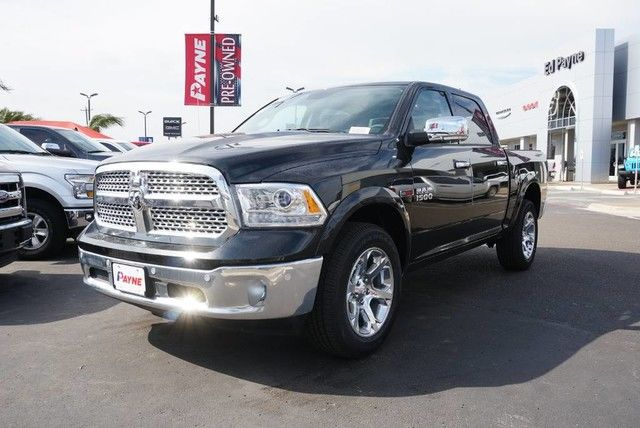 2017 Ram 1500 Crew Cab 4x4, Pickup #S876444 - photo 1