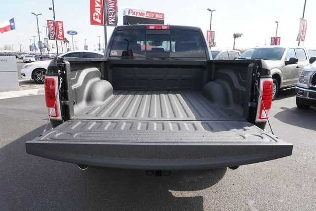 2017 Ram 1500 Crew Cab 4x4, Pickup #S876444 - photo 18