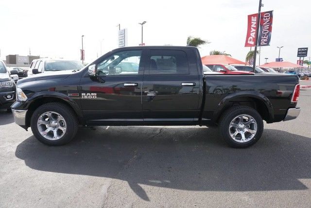 2017 Ram 1500 Crew Cab 4x4, Pickup #S876444 - photo 7