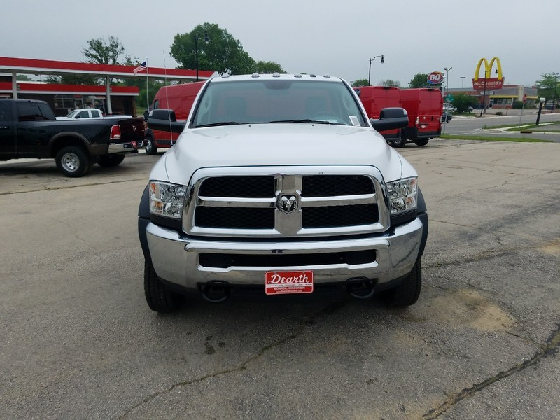 2017 Ram 5500 Regular Cab DRW 4x4,  Cab Chassis #12410H - photo 3