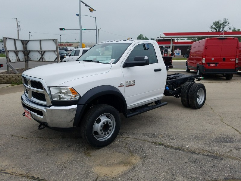 2017 Ram 5500 Regular Cab DRW 4x4,  Cab Chassis #12410H - photo 4