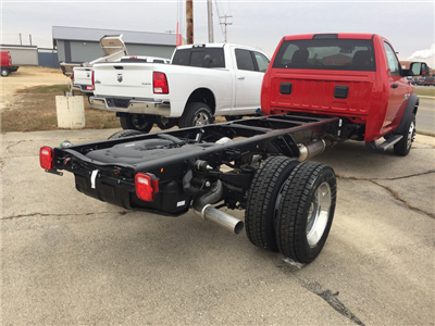 2018 Ram 5500 Regular Cab DRW 4x4, Cab Chassis #12719J - photo 3
