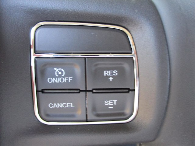 2018 Ram 2500 Crew Cab 4x4 Pickup #107137 - photo 17