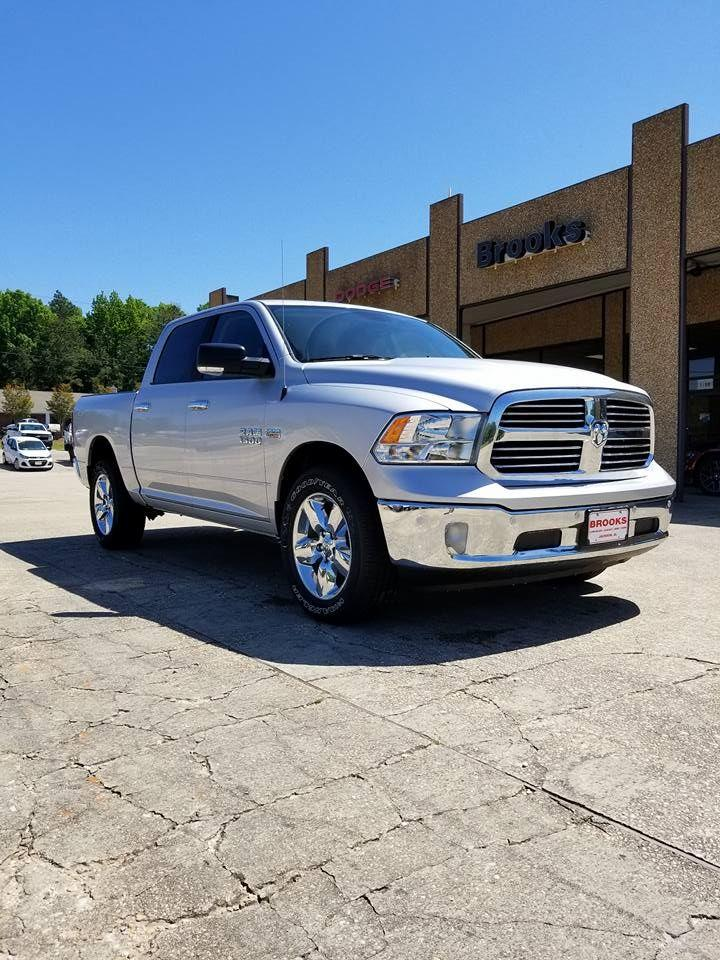 2018 Ram 1500 Crew Cab 4x4, Pickup #108956 - photo 9
