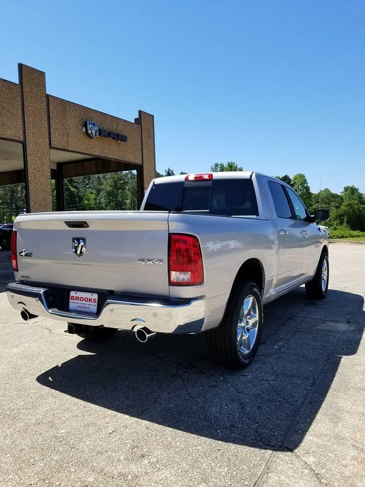 2018 Ram 1500 Crew Cab 4x4, Pickup #108956 - photo 23