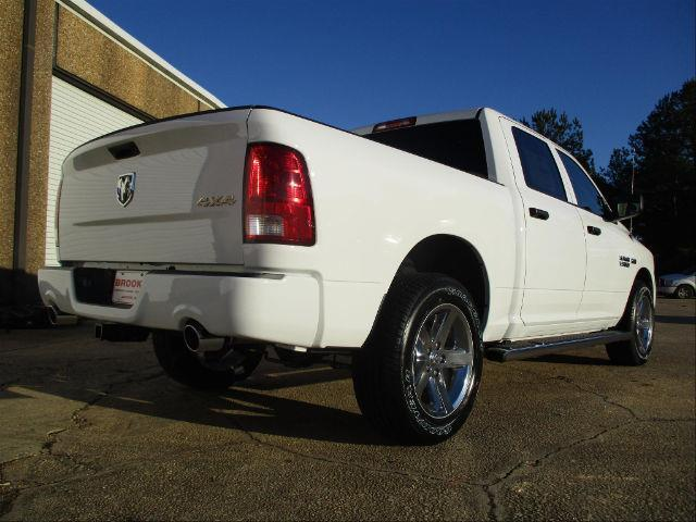 2018 Ram 1500 Crew Cab 4x4,  Pickup #189365 - photo 4