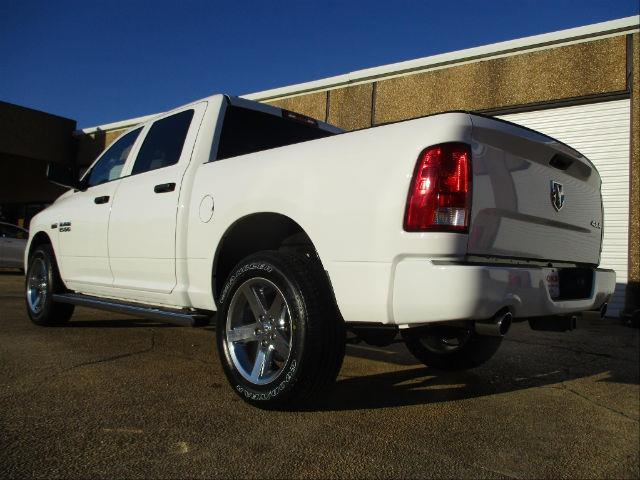 2018 Ram 1500 Crew Cab 4x4,  Pickup #189365 - photo 2