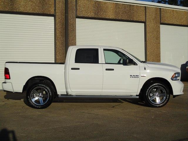 2018 Ram 1500 Crew Cab 4x4,  Pickup #189365 - photo 5