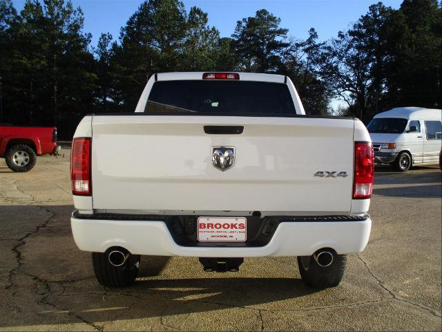 2018 Ram 1500 Crew Cab 4x4,  Pickup #189365 - photo 8