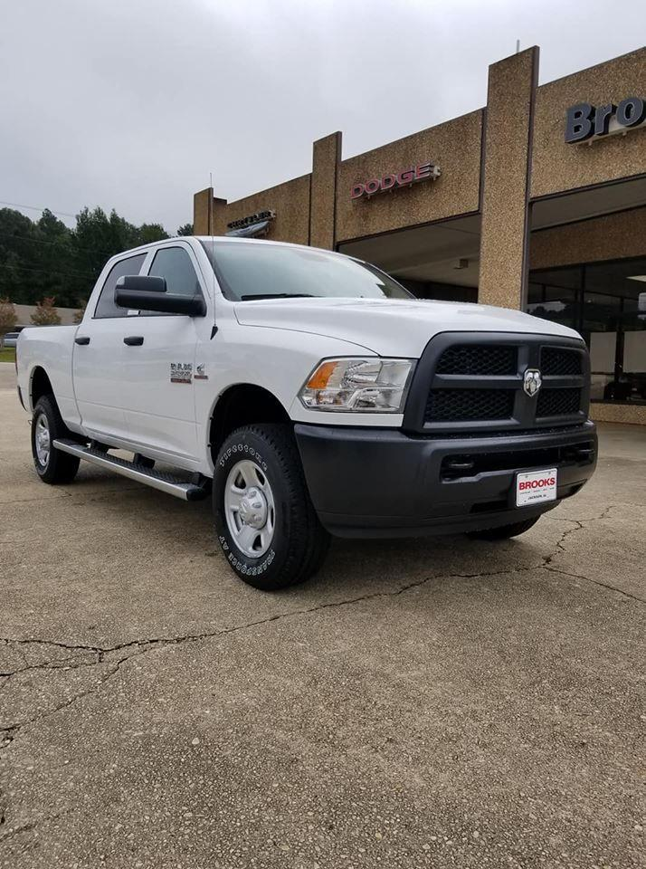 2018 Ram 2500 Crew Cab 4x4,  Pickup #333282 - photo 1