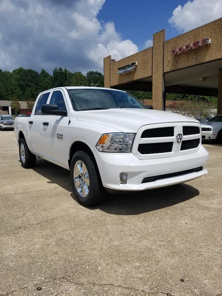 2018 Ram 1500 Crew Cab 4x4,  Pickup #337836 - photo 1