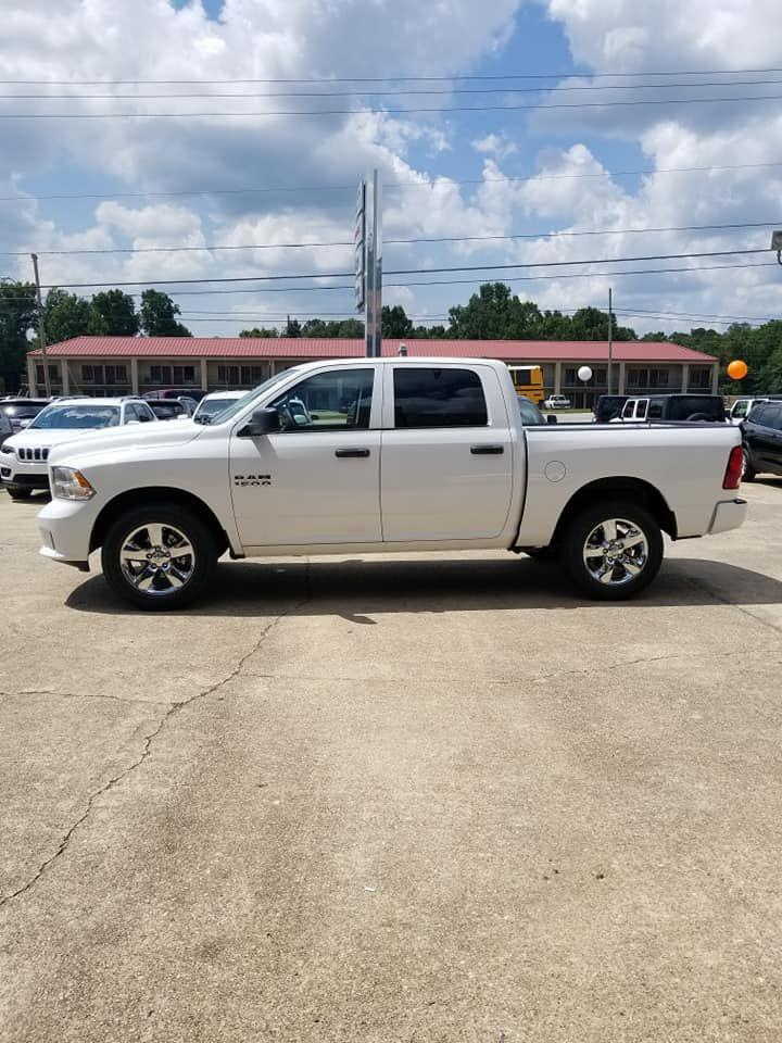 2018 Ram 1500 Crew Cab 4x4,  Pickup #337837 - photo 8