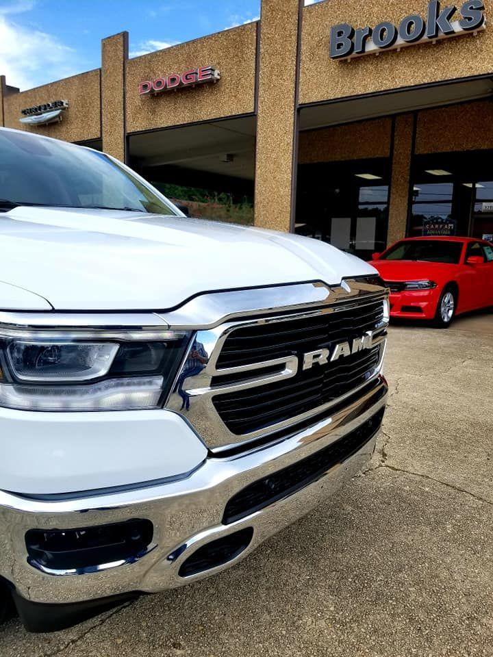 2019 Ram 1500 Crew Cab 4x4,  Pickup #606232 - photo 8